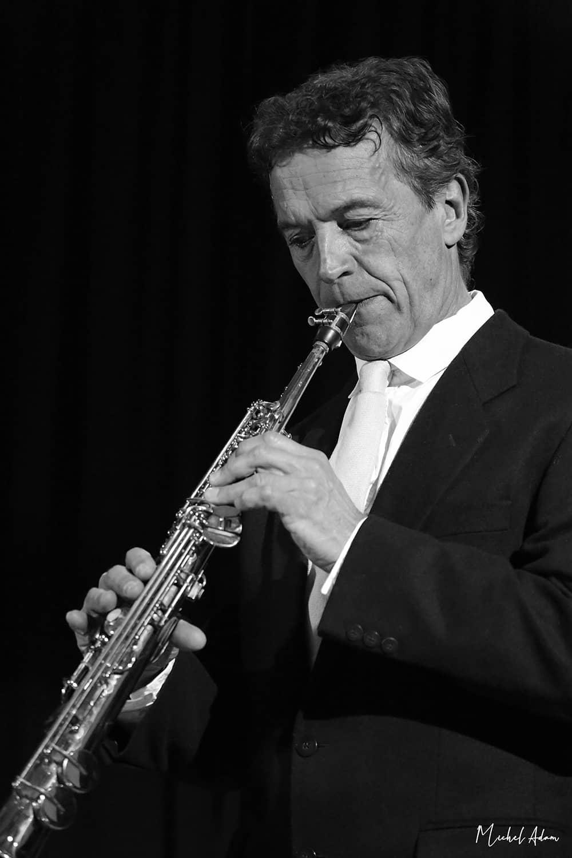 Jean Mach, musicien accompagne Marie Jeanne Swing